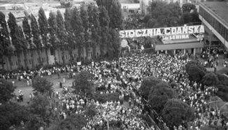 Temat Stocznia - w rocznicę podpisania porozumień sierpniowych