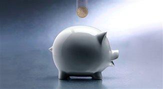 Światowy Dzień Oszczędzania. Regularnie pieniądze odkłada 12 proc. Polaków