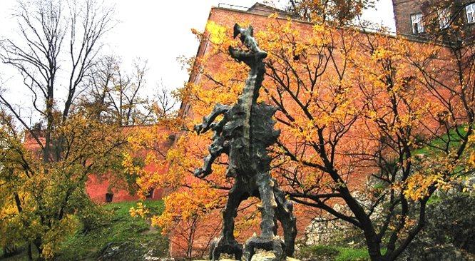 Od chaosu do wielkości - legenda Smoka Wawelskiego