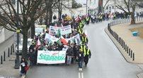 Manifestujący rolnicy przed Sejmem