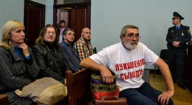 Władze Białorusi i Rosji chcą zmusić ludzi do milczenia