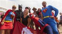 Woodstockowa parada superbohaterów i kąpiel w błocie