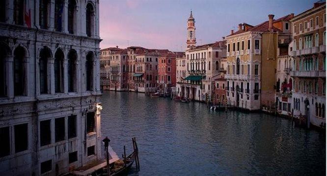 Włochy - tu spotykają się wyśmienita kuchnia, wielka piłka i gorący romans