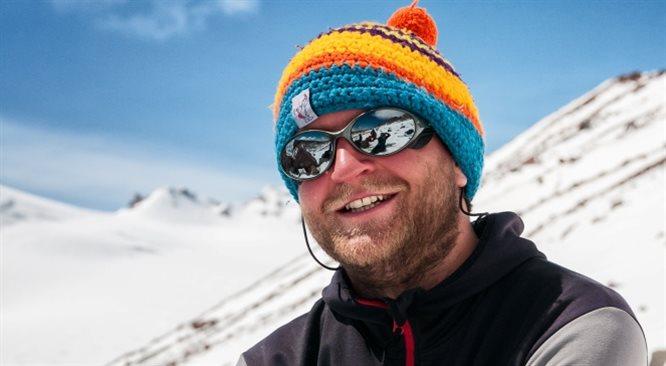 Olek Ostrowski zjedzie na nartach z Turkusowej Bogini. To ponad 8 tys. metrów...