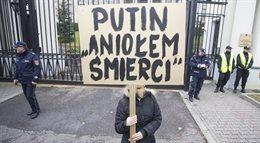 Manifestacja pod ambasada rosyjską w obronie wolności słowa rosyjskich artystów