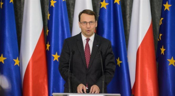 Marszałek Sejmu oskarża Rosję o rozbiór Ukrainy. Kolejne rewelacje b. szefa MSZ