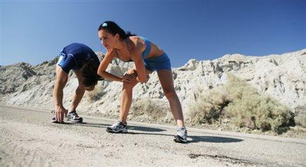 Skuteczny trening rozciągający? Obejrzyj film i ćwicz z Czwórką