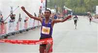 Etiopczyk wygrał warszawski maraton, Polak dziewiąty