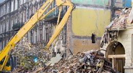 Tragedia w Katowicach. Rozpoczęła się rozbiórka ruin kamienicy