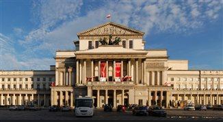 Czy teatr w Polsce wpływa na ośrodki opinii?