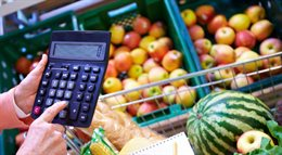 Deflacja: ceny będą spadać co najmniej do końca tego roku