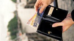 Cudzoziemiec w polskim banku: klient czy intruz?