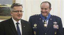 Prezydent odznaczył dowódcę sił NATO w Europie