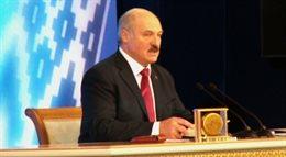 Łukaszenka: szkoły powinny zwrócić uwagę na język białoruski