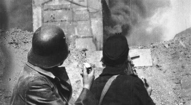Kalif: Powstanie Warszawskie trwało za długo