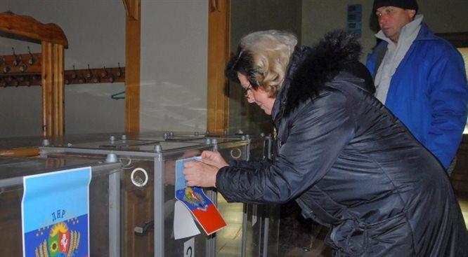 Separatystyczne wybory zaostrzają spór Zachodu z Rosją o Ukrainę