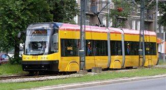 Polacy rezygnują z komunikacji miejskiej
