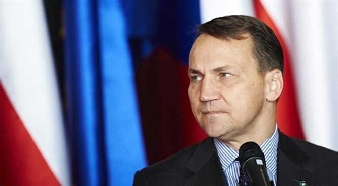 Marszałek Sikorski: nie brałem udziału w spotkaniu Putina z Tuskiem