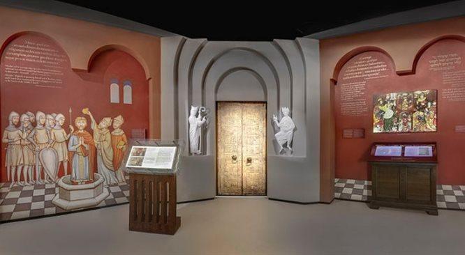 Muzeum Historii Żydów Polskich: zwiedzający podążają drogą ofiar zagłady