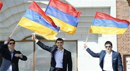 Marsz Milczenia w setną rocznicę ludobójstwa Ormian