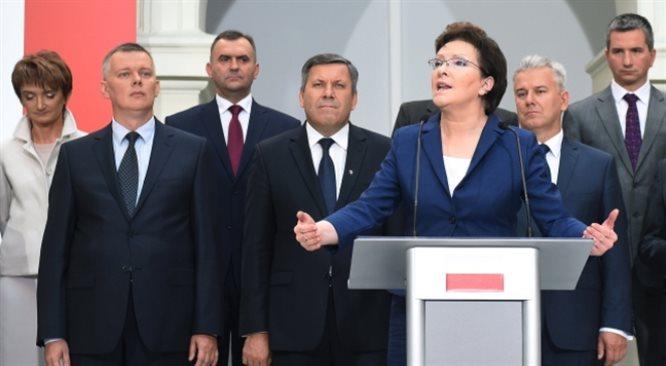 Prezydent Bronisław Komorowski powołał Ewę Kopacz na urząd Prezesa Rady Ministrów
