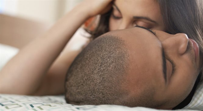 Dlaczego trudno urozmaicić seks? Szwankuje komunikacja