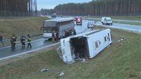 Wypadek autokaru na trasie S8. Cztery osoby ranne