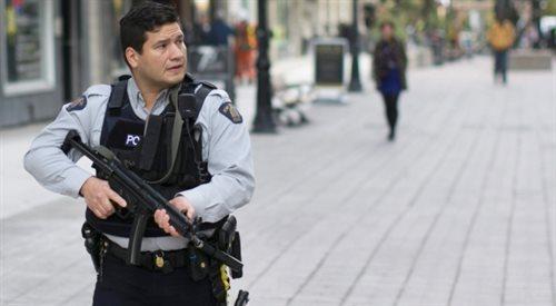 Strzały w Kanadzie: dwie osoby nie żyją, obława na terrorystów