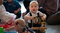 Synek Williama i Kate złożył pierwszą w życiu oficjalną wizytę