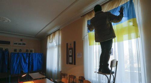 Wybory na Ukrainie coś zmienią? Zależy gdzie zapytać