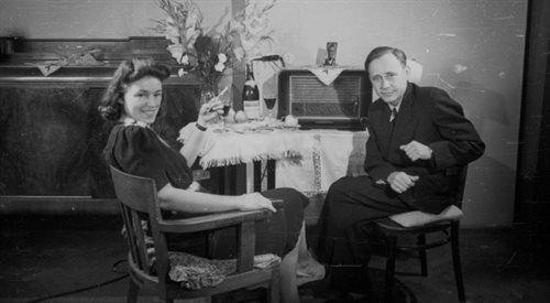 Radio w latach 40. - odbudowa stolicy i gdakanie kur