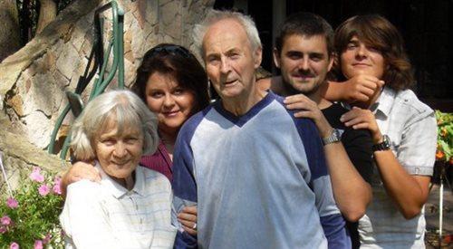 Choroba Alzheimera odziera człowieka z godności