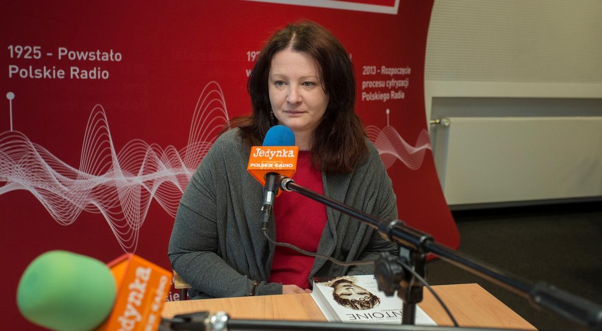 """Marta Orzeszyna, autorka książki """"Antoine Cierplikowski. Król fryzjerów, fryzjer królów"""" fot. Wojciech Kusiński/Polskie Radio"""