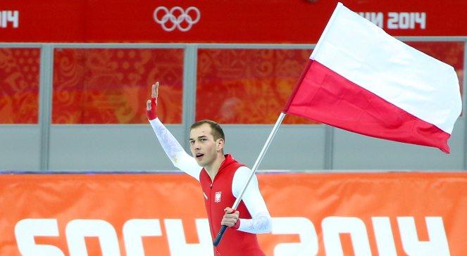 Łyżwiarz Zbigniew Bródka cieszy się ze złotego medalu wywalczonego w wyścigu na 1500 metrów podczas igrzysk w Soczi