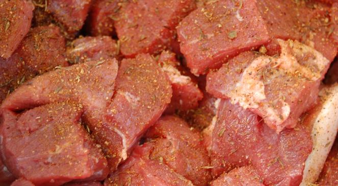 Kolejna afera mięsna Brak badań i pozwoleń