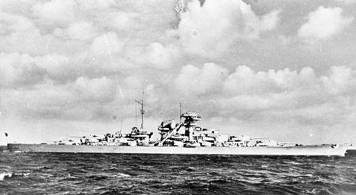 Pancernik Bismarck w 1940 roku.
