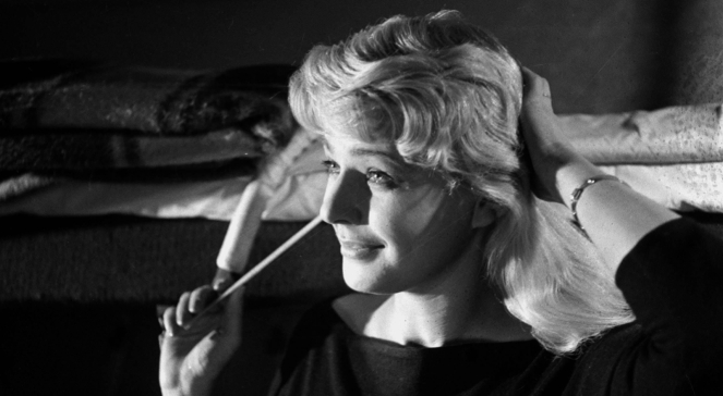 Na zdjęciu archiwalnym z 1959 r.: Lucyna Winnicka w filmie Jerzego Kawalerowicza Pociąg. Lucyna Winnicka zmarła 22 stycznia 2013 r. w wieku 85 lat.