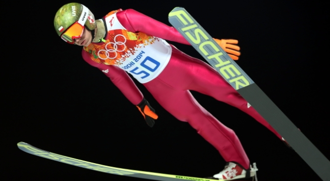 Kamil Stoch w pierwszej serii konkursu skoków na średniej skoczni zdeklasował rywali