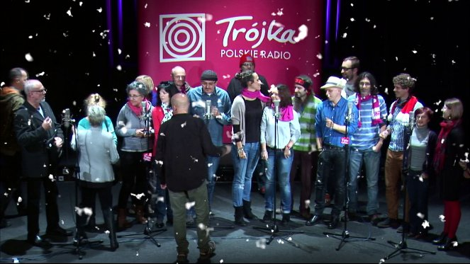 Kadr z teledysku do piosenki  Karp Story 2013