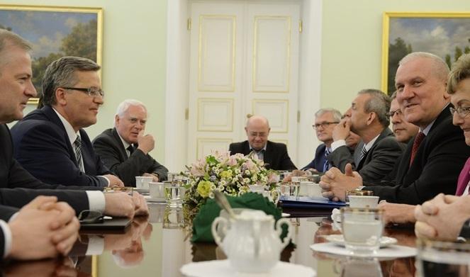 Spotkanie prezydenta ze związkowcami z OPZZ i ZNP fot. PAP/Jacek Turczyk
