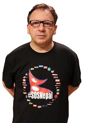 Zbigniew Zamachowski w koszulce z logo akcji