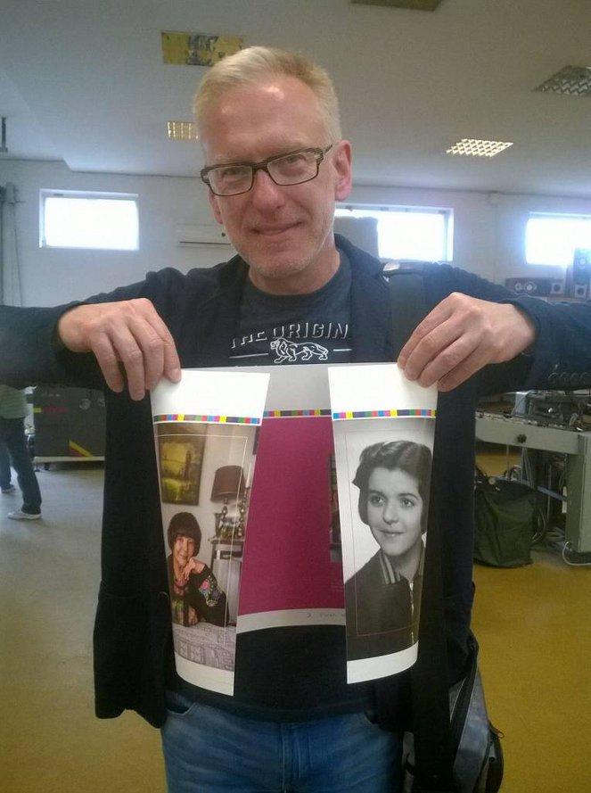 Zdjęcie Mariusza Szczygła w drukarni (fot. Dowody Na Istnienie)