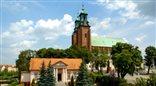 Gniezno - miasto z sercem w koronie, kraina tajemnic