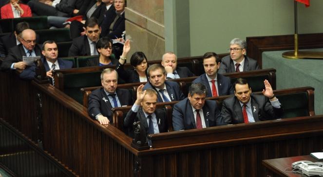 Sejm: ławy rządowe podczas głosowania ws. OFE