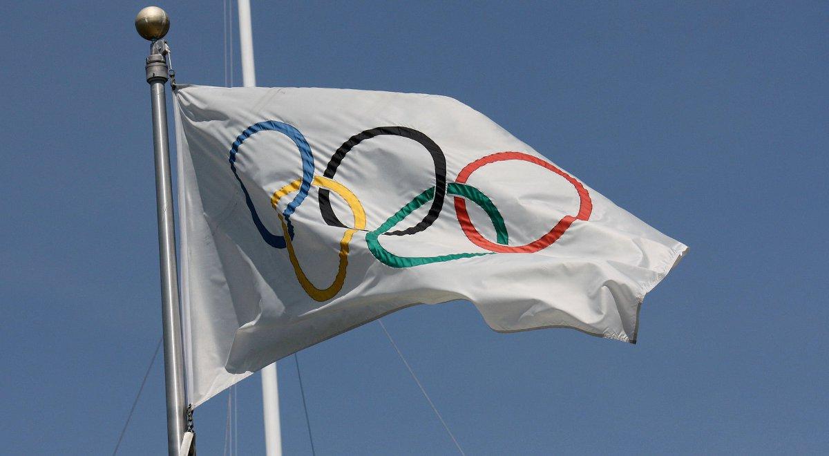 Flaga olimpijska 1200 F.jpg