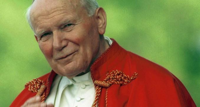 Jan Paweł II podczas wizyty w Polsce w 1995 roku.