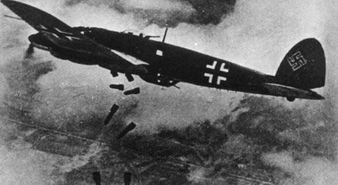 Bombardowanie Warszawy we wrześniu 1939 r., foto: PAPCAF